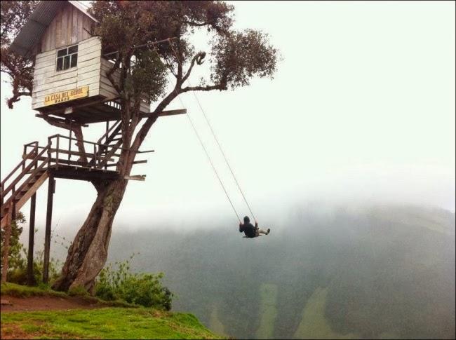 Качели «На краю света». Баньос, Эквадор.