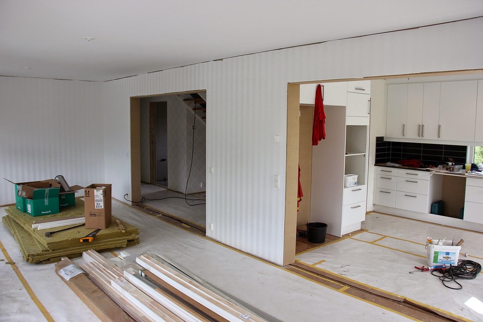 VÃ¥rt hus blir till: Tapeter