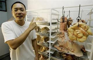 Gila ! Potongan Tubuh Manusia Ini Ternyata Roti