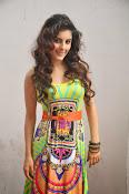 Isha talwar latest sizzling pics-thumbnail-8
