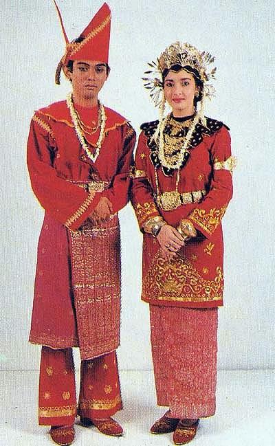 Gambar-Gambar Pakaian Adat Daerah di Indonesia (33 ...