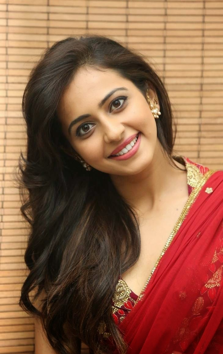 [Image: Rakul-Preet-Singh-Stills-At-Tiger-Movie-...nch-23.jpg]
