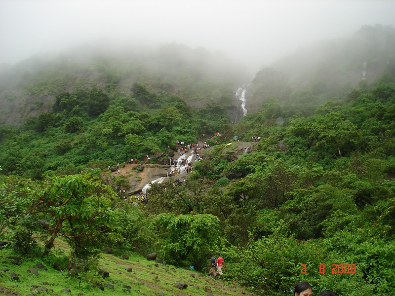 places near pune in rainy season
