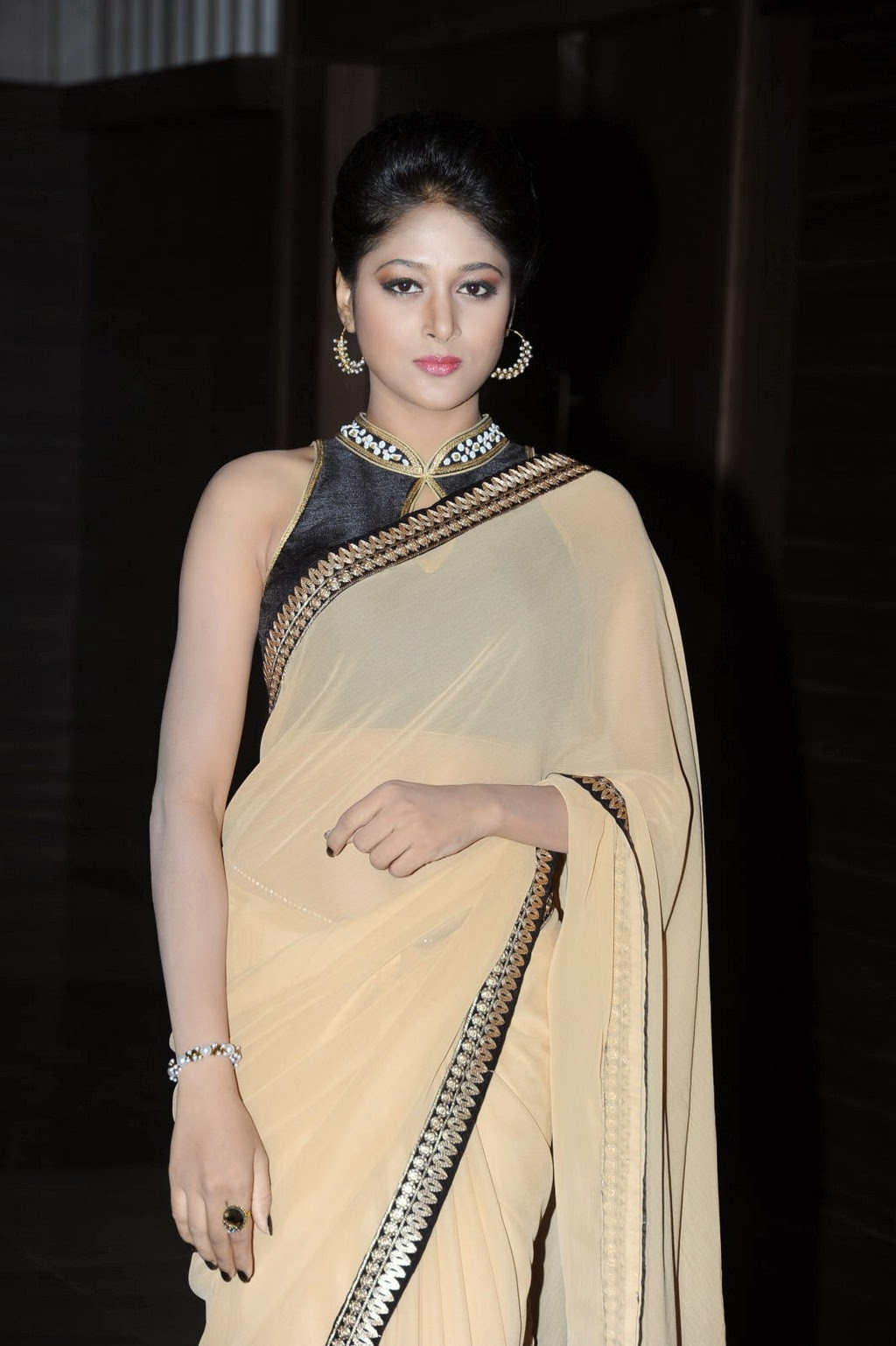MODELS OF BLOUSE DESIGNS SOUTH ACTRESS SUSHMA RAJ IN