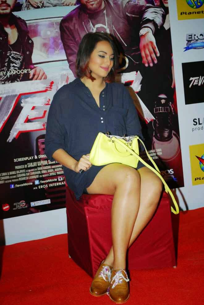 sonakshi sinha hot thigh wallpapers