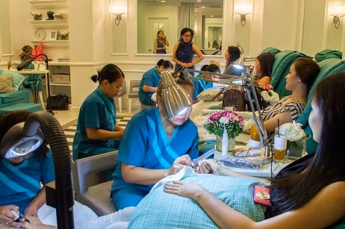 How to Organize a Nail Spa Party | JLofied