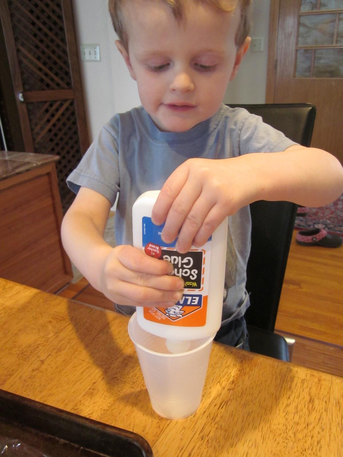 http://1.bp.blogspot.com/-Iiy4wguZIJQ/TZuEN-MFhyI/AAAAAAAAIZc/RfdOVVCREyQ/s1600/1+glue+in+bottle.JPG