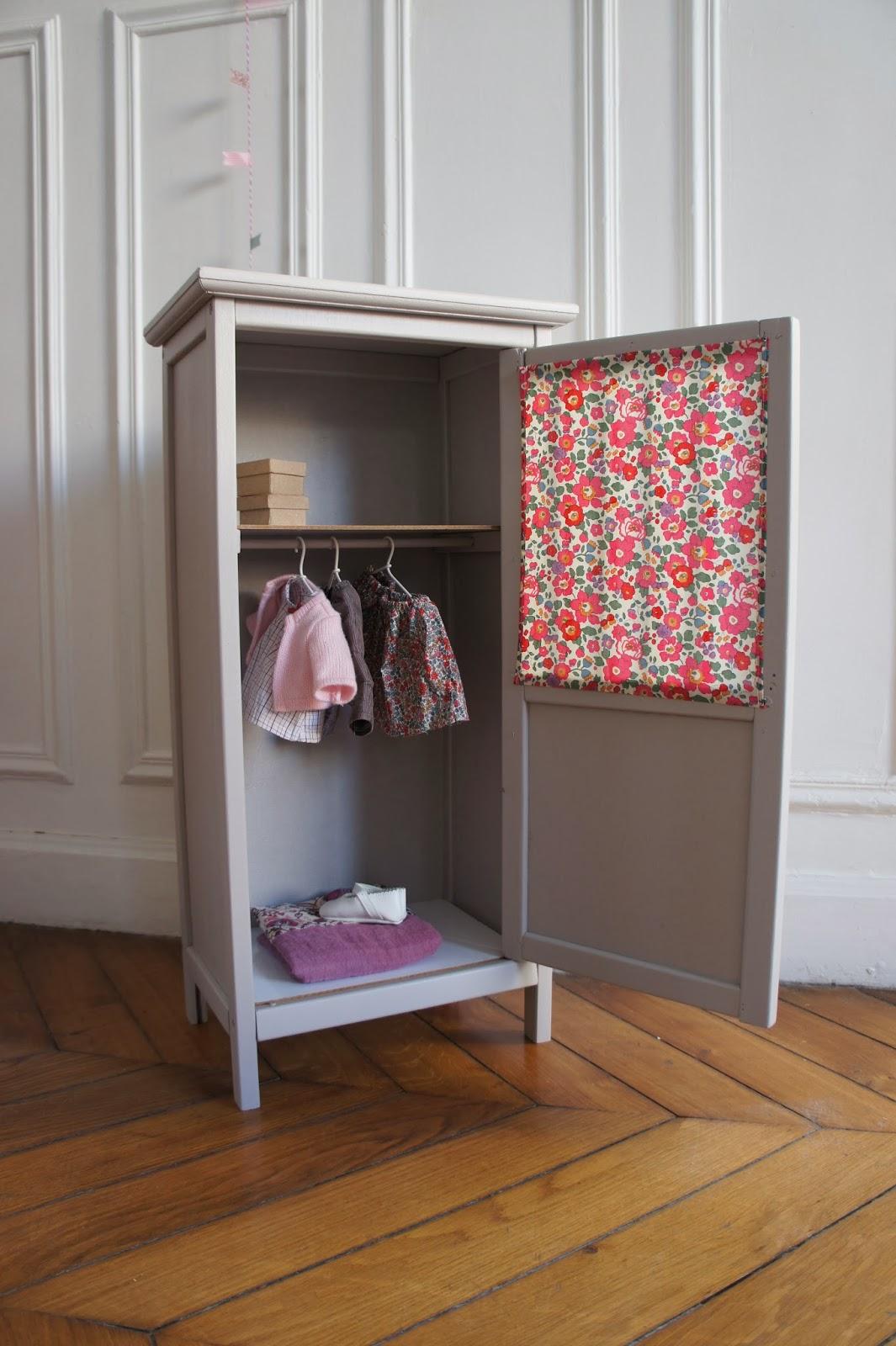 atelier petit toit disponible pour noel. Black Bedroom Furniture Sets. Home Design Ideas