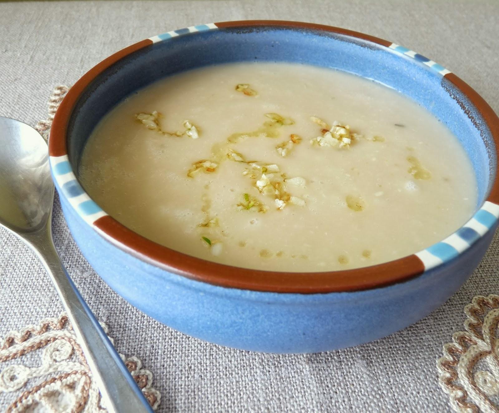 Roasted Garlic & Bean Soup