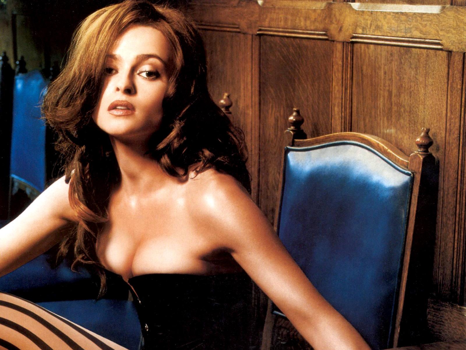 http://1.bp.blogspot.com/-IjXi_2E70oU/TZukMYd6nWI/AAAAAAAANTU/jEFM3PCtB2Q/s1600/actress-helena-bonham-carter-wallpaper.jpg