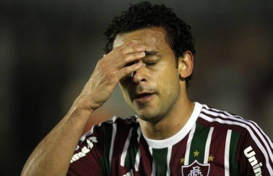 A estreia da dupla Ronaldinho e Fred pelo Flu deve ser adiada mais uma vez