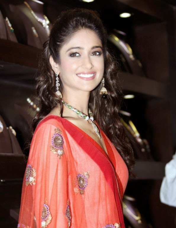 Ileana hot photos in Red Dress