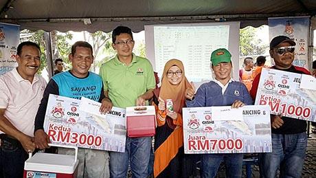 Wajah Pemenang Utama Jelajah Pancing KL di Tasik Ampang Hilir 23 Apr 2017