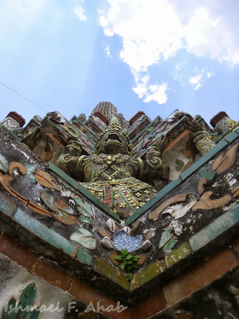 Another demon statue at Wat Arun prang