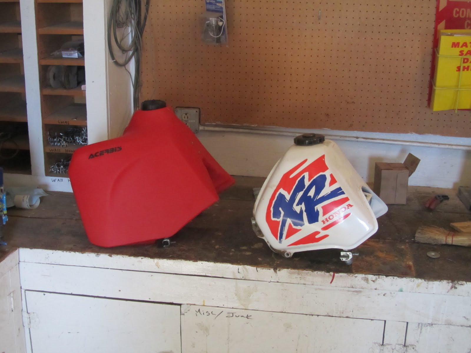 Man Cave With Tank : Quest of the man cave: xr650l acerbis 5.8 gas tank project