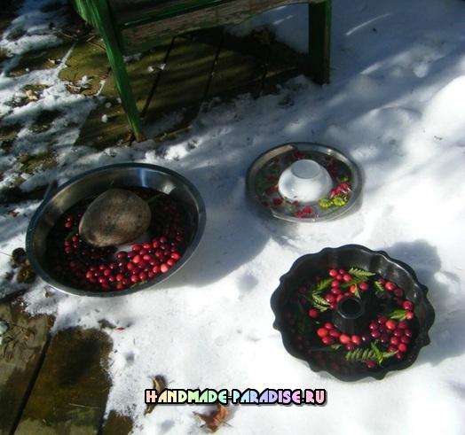 Ледяной венок для зимнего праздничного интерьера