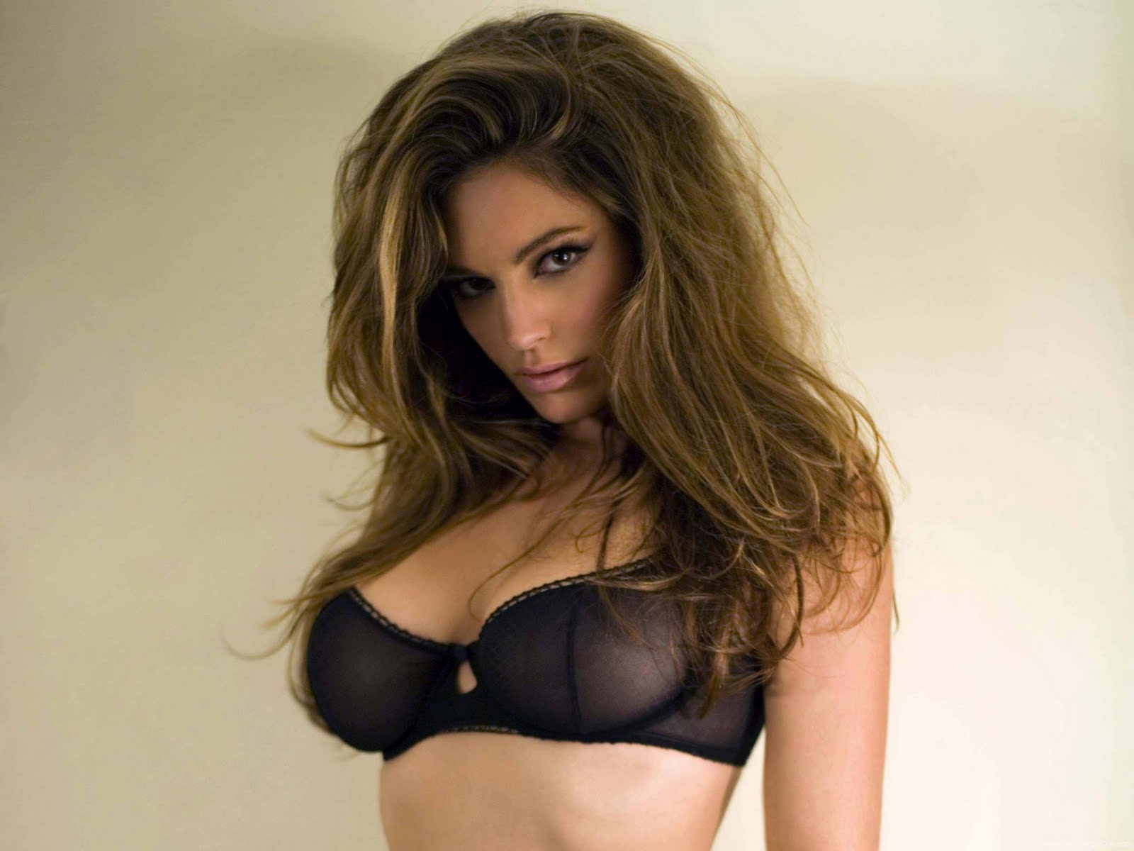 http://1.bp.blogspot.com/-Ik1sBpuhf1U/TeD152U7tMI/AAAAAAAAFoQ/6tb7CqTARSk/s1600/kelly_brook_a_HD_Wallpaper_93.jpg