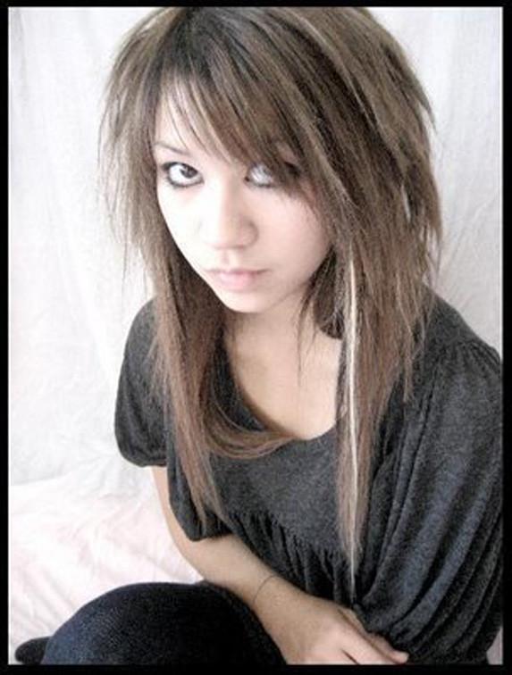Прически челкастых на средние волосы