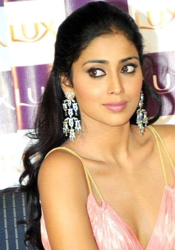 , Shriya Saran Cute Close up Stills