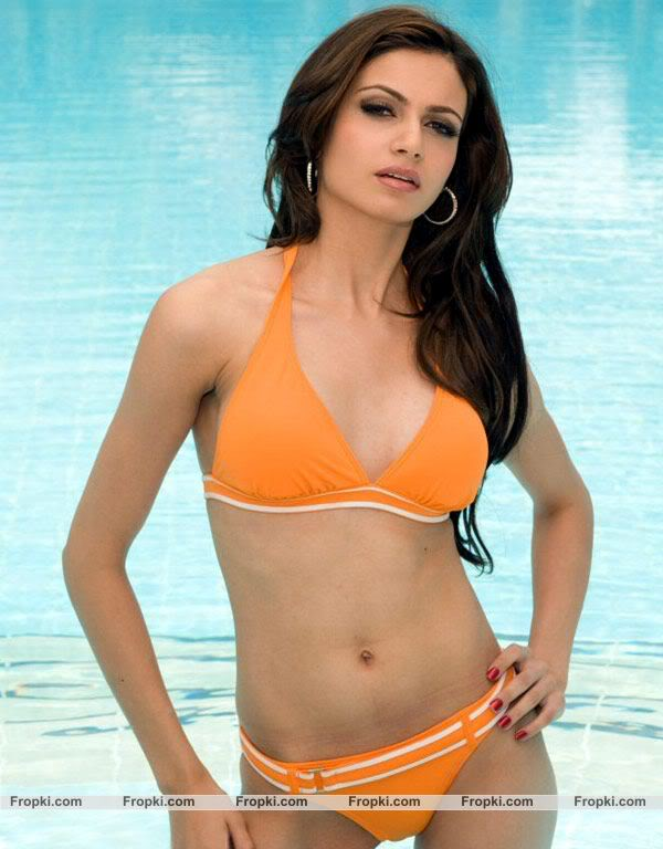 Simran Kaur Mundi, Babe for bolly World 3
