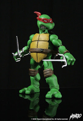 Teenage Mutant Ninja Turtles Raphael 1/6 Scale Collectible Figure by Mondo