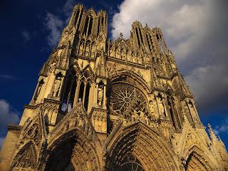 la cathédrale Notre-Dame de Reims et ses tours