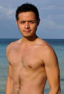 Martin del Rosario Plays Ate Vi's son in The Healing movie