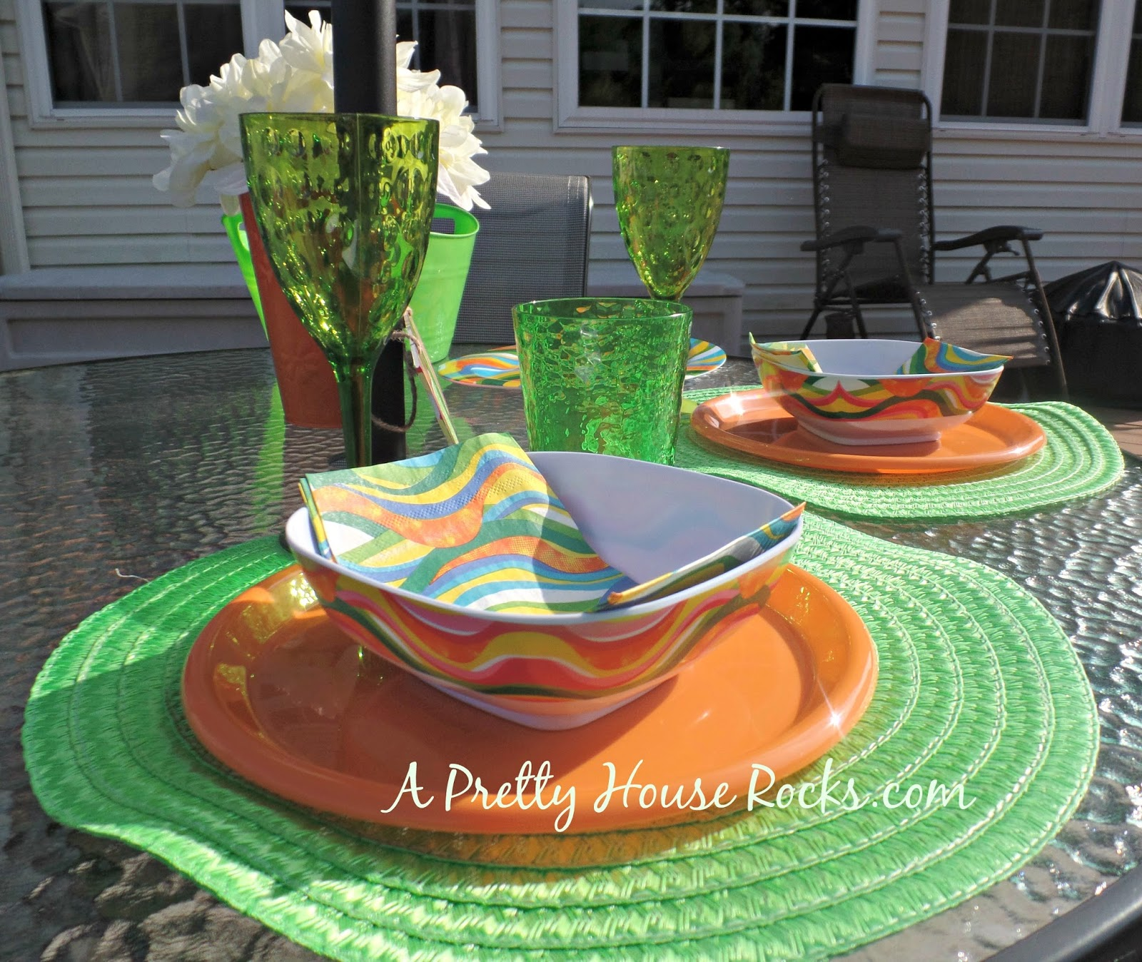 At my house we love to throw BBQs that\u0027s what summer is all about right? But they can be costly to decorate. I was in the Dollar Store the other day ... & Throw a Stylish BBQ with Outdoor Tableware from the Dollar Store ...