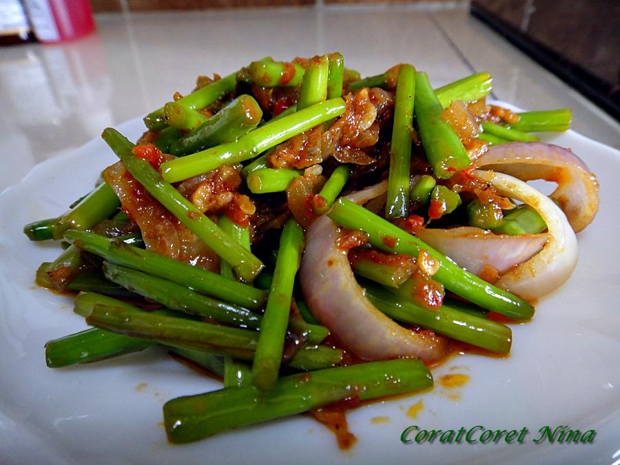 asparagus frittata sambal asparagus recipe yummly sambal asparagus ...