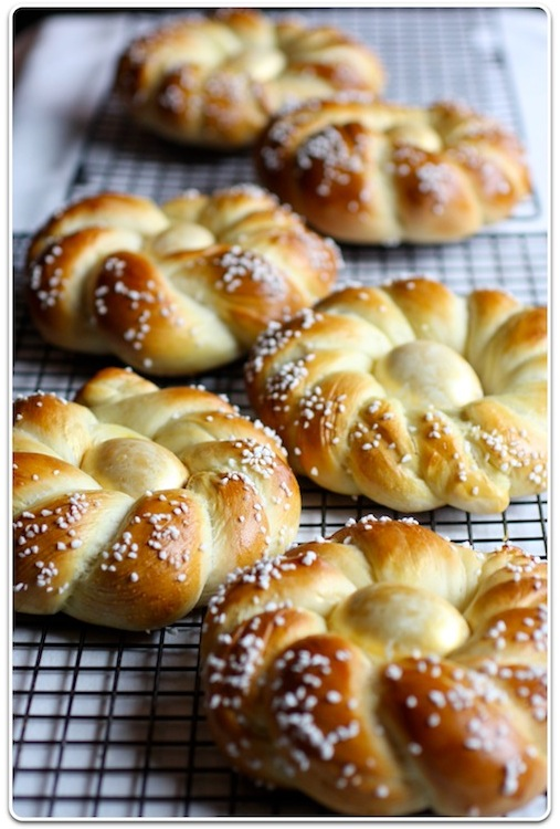 ... most prominent food in my memories of Easter is Italian Easter Bread