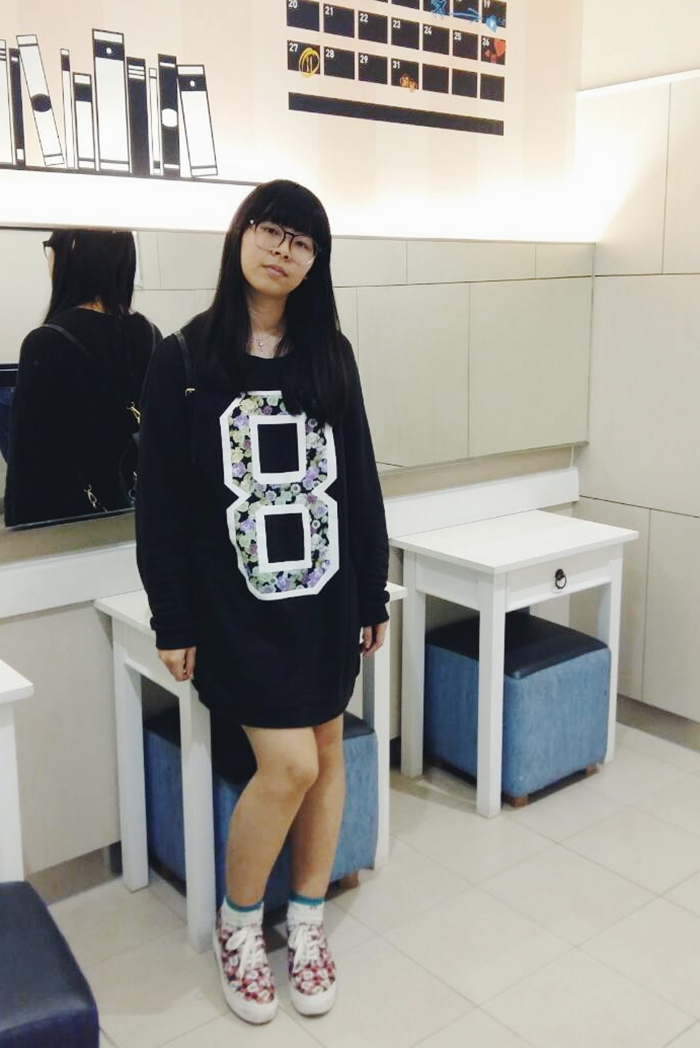 how to wear casual outfits sweatdress sneakers