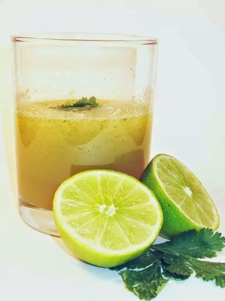 Minum es jeruk atau produk minuman lain yang dibentuk dari jeruk nipis memang menyegarkan Manfaat Super Jeruk Nipis untuk Kesehatan Keluarga