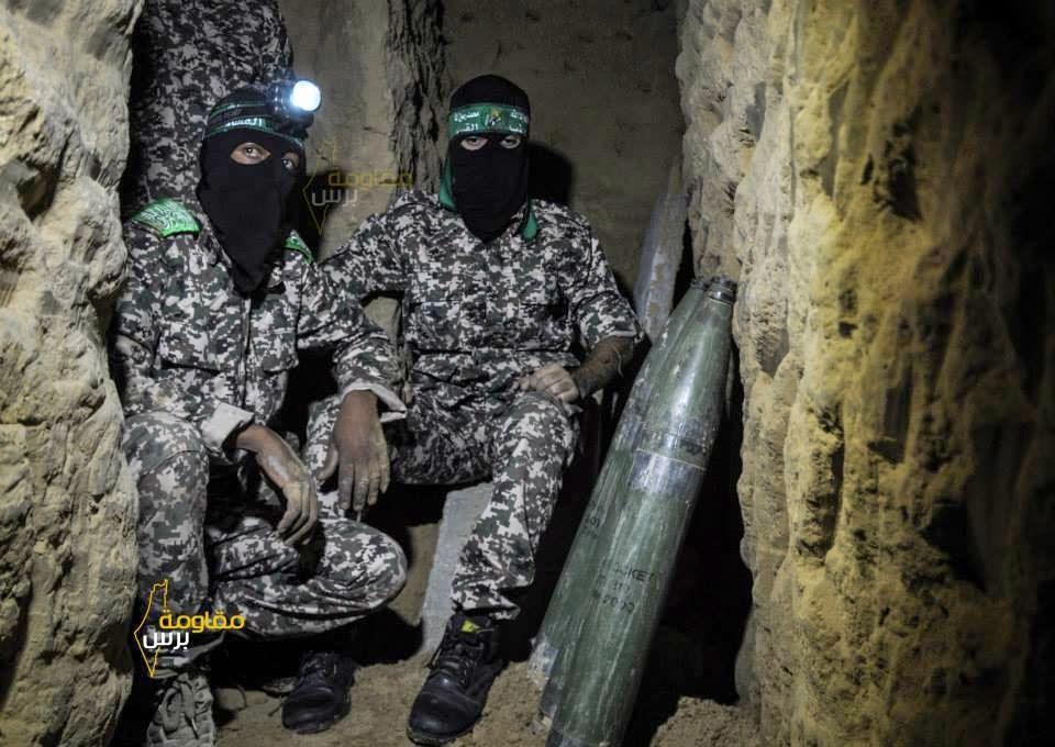 Gambar Briged Al-Qassam dalam terowong mereka yang sangat ditakuti tentera Israel.