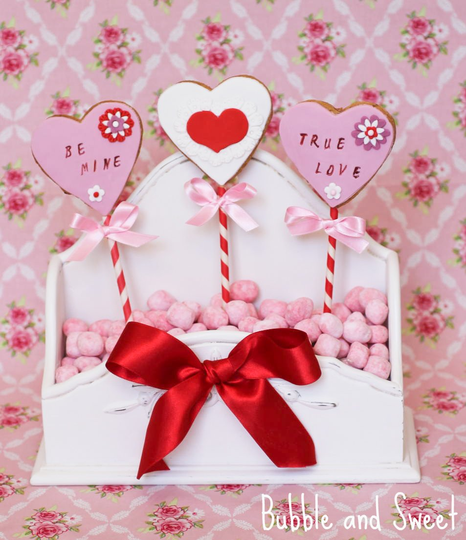 Bubble and Sweet: Sweetheart Valentine Cookie pops