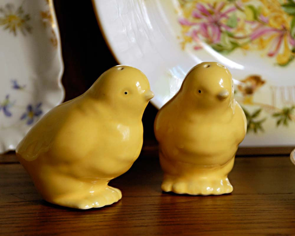 Vintage Salt and Pepper Shaker Easter Chicks