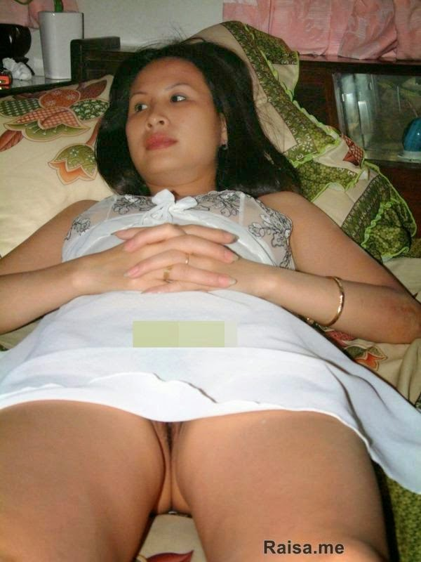 indonesian wife nude picture