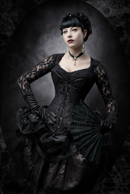 gothic victorian clothing
