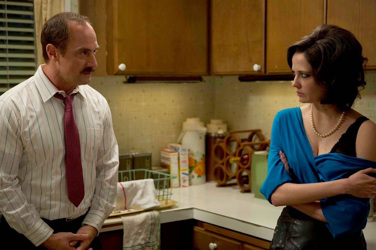 white bird in a blizzard-christopher meloni-eva green