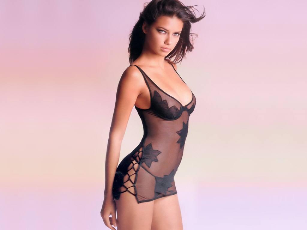 http://1.bp.blogspot.com/-IlPi8RRdanc/TrDMUI2IpnI/AAAAAAAAANQ/hZvA0RA32ko/s1600/Adriana_Lima_9.jpg