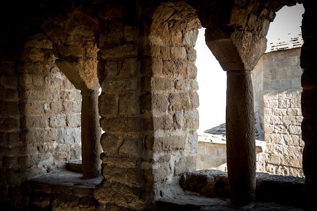 Castillo de Loarre  :: Canon EOS5D MkIII | ISO400 | Canon 24-105 @45mm | f/6.3 | 1/40s