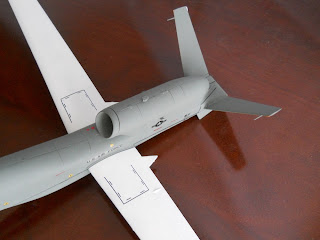 miniatura de drone norteamericano global hawk