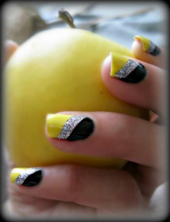 Yellow, silver and black nail style for ladies