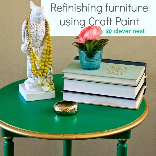 Refinishing furniture using craft paint #kellygreen #clevernest #table #yardsale #gold #modern