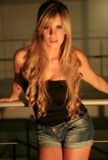 Alejandra Baigorria posando para sus fans