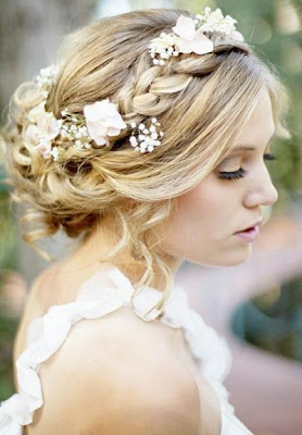 Wedding Dress - Bridal Hairstyle