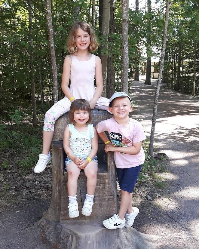 Livet med Ilona, Zion & Wilda