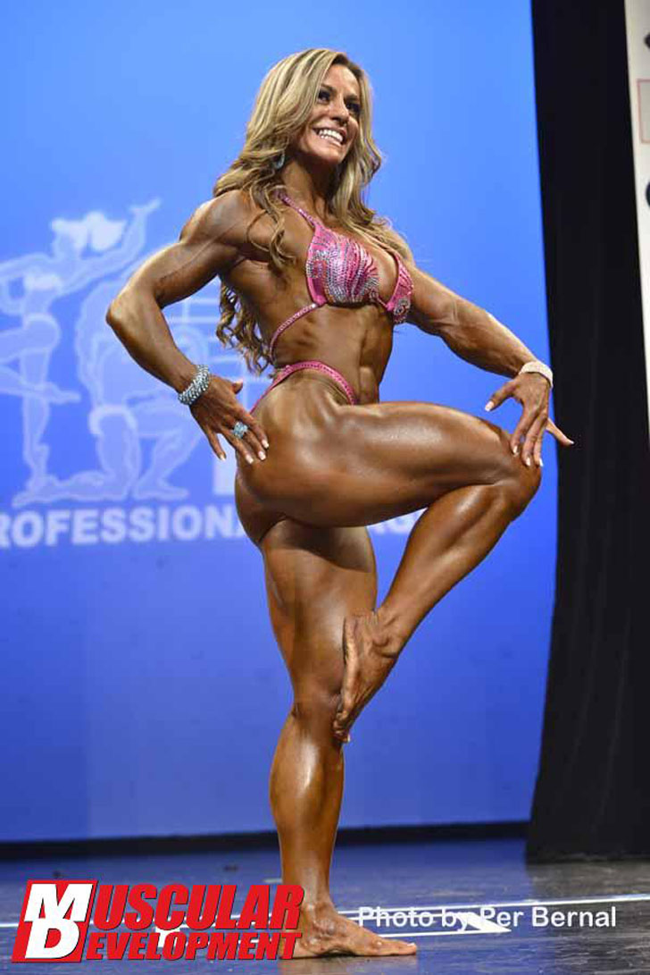 Juliana Malacarne Models Her Ripped Physique At The 2012 NY Pro