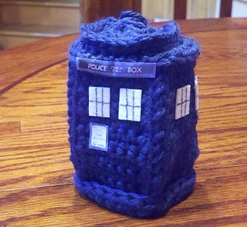 Mini Crochet TARDIS
