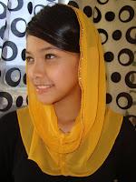 Gambar Gadis Melayu Comel Model Tudung