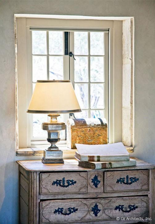 Boiserie c pietra e legno evocano il mediterraneo for Arredamento stile mediterraneo